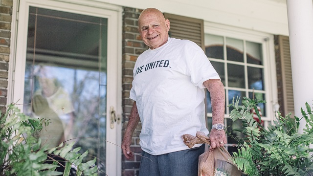 After two COVID-19 hospital stays, Alabama's Bert Bloomston stands firmly on the sunny side of life