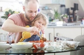 Pizza on the grill can be a great way to make dinner as a family. (Getty Images)