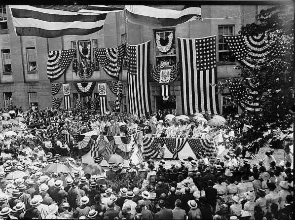 Vice President Thomas Marshall delivering an address at Flag Day, June 1914. (Library of Congress, Prints and Photographs Division)