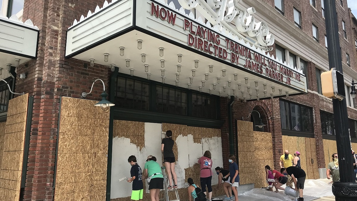 'Paint Positivity' turns plywood into art at Alabama, Lyric theaters