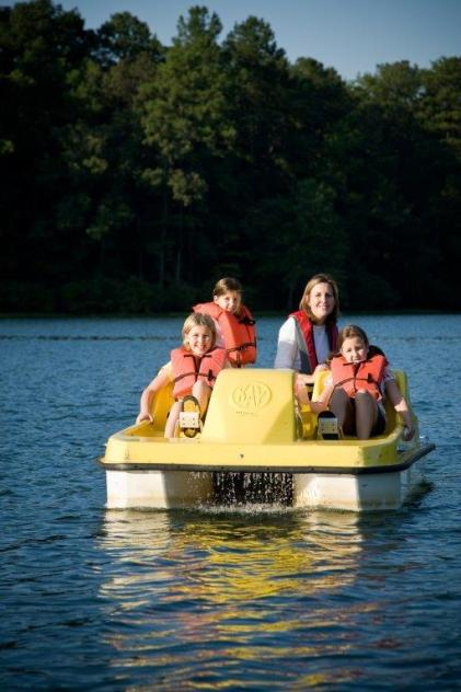 Rentals at Oak Mountain State Park offer a number of ways to get out on the water. (Billy Pope)