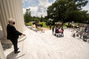 Alabama Gov. Kay Ivey receives the body of Alabama native and Georgia U.S. Rep. John Lewis at the state capitol. (Getty Images)