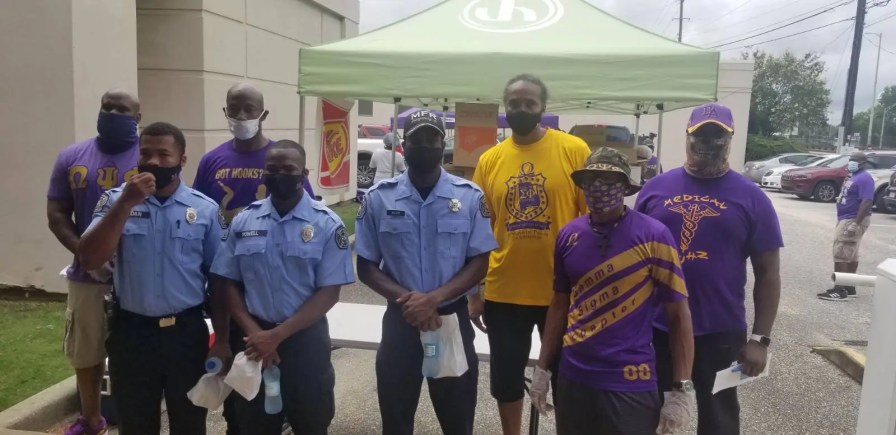 Members of Omega Psi Phi provided lunch to health care workers at Jackson Hospital in Montgomery. (contributed)