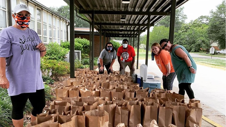 Alabama Power Gadsden employee enlists friends' help to feed kids, neighbors during pandemic