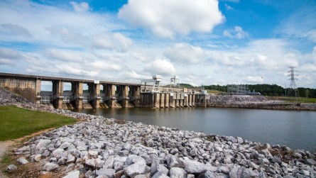 H. Neely Henry Dam is in East Alabama near Ragland. (Dennis Washington / Alabama NewsCenter)