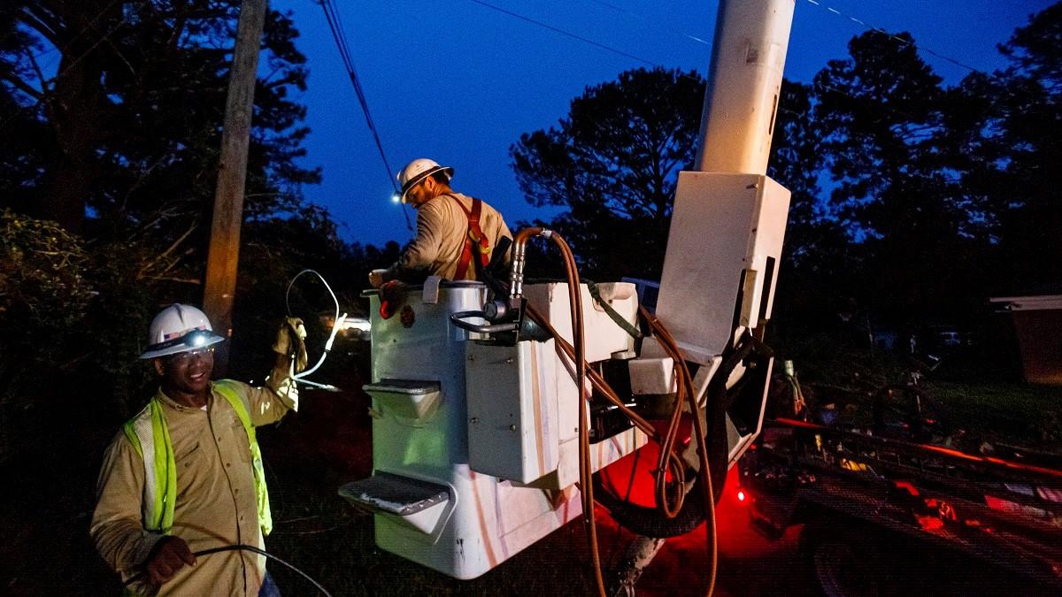 Alabama Power crews lend a hand in Hurricane Delta restoration