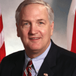 Luther Strange headshot