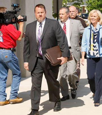 Mike Hubbard walks into sentencing
