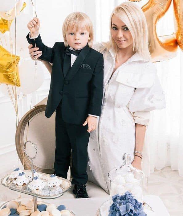 Яна Рудковская биография личная жизнь семья муж дети фото