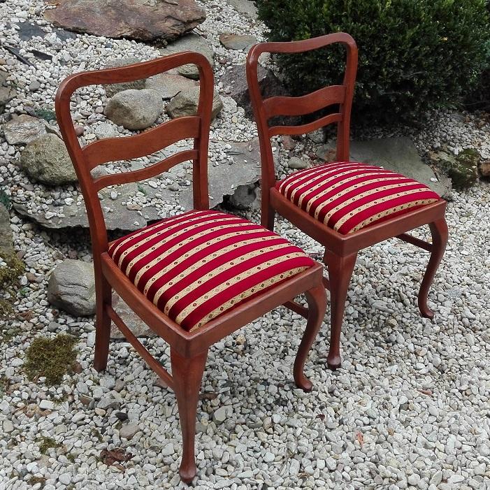 Krzesła art deco po renowacji z nową tapicerką