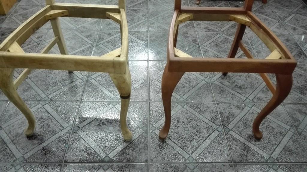 Renowacja krzeseł - bejcowanie czyli zmiana koloru drewna