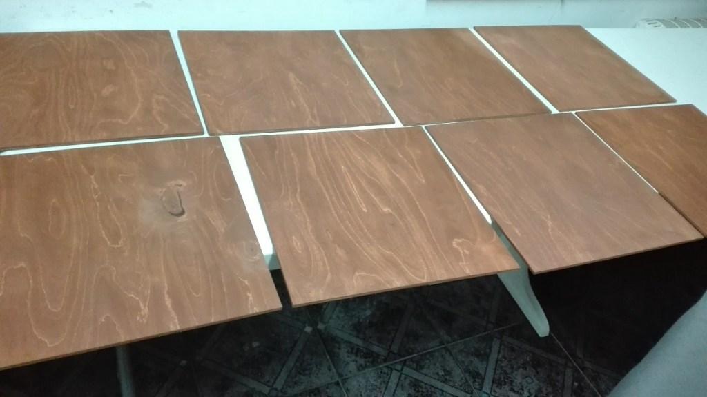 Bejcowanie sklejki - zmiana koloru drewna