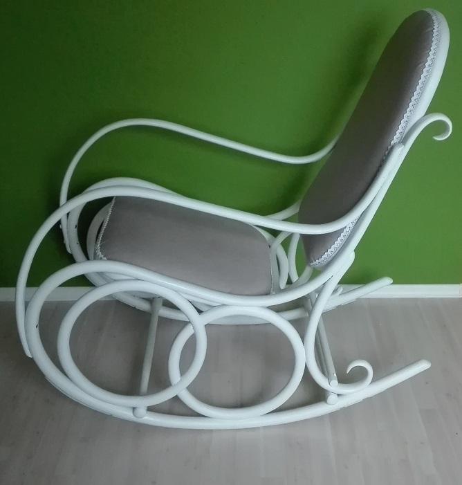 Malowanie fotela bujanego na biało