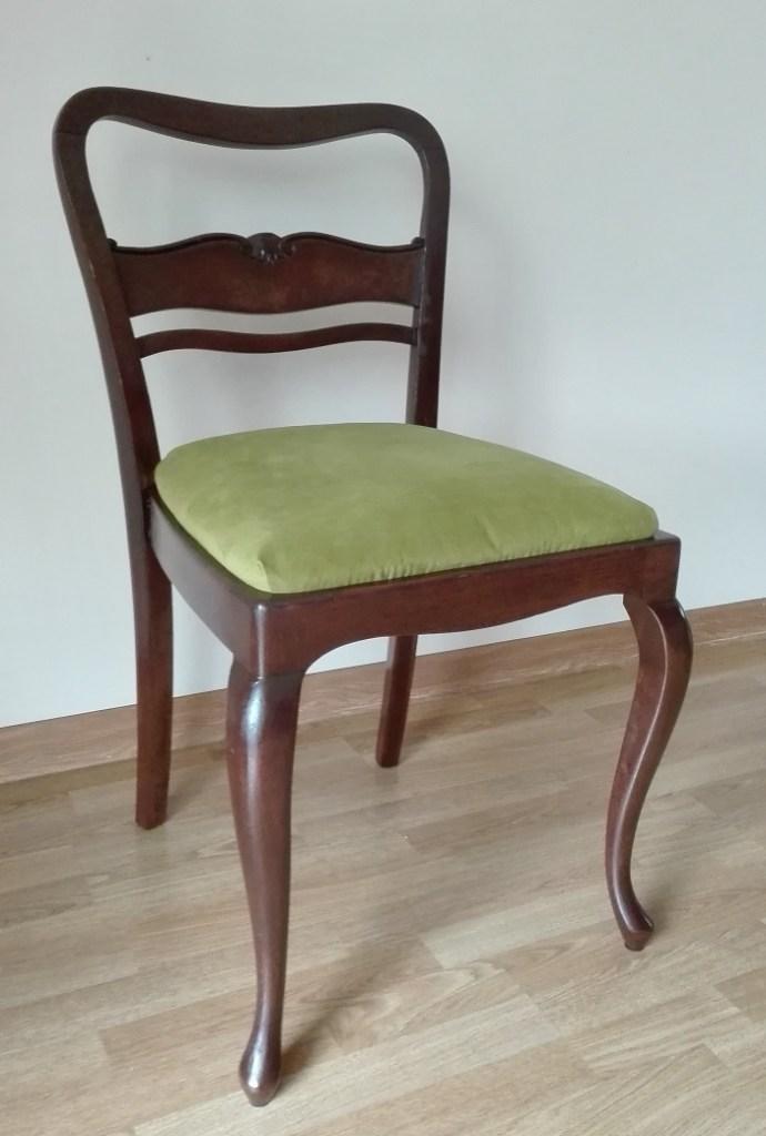Renowacja krzesła antycznego z giętymi nogami