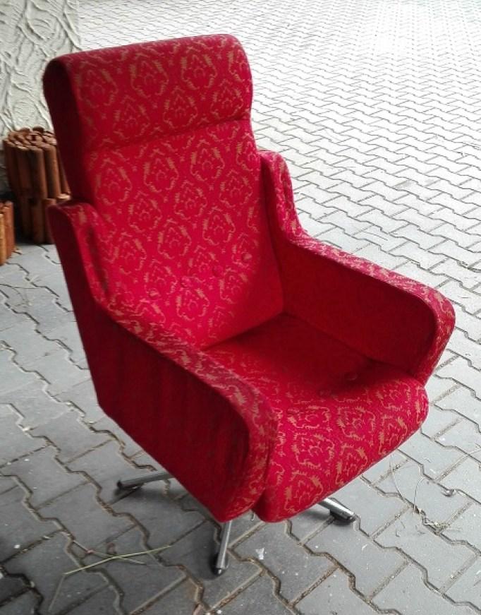 Fotel uszak obrotowy PRL