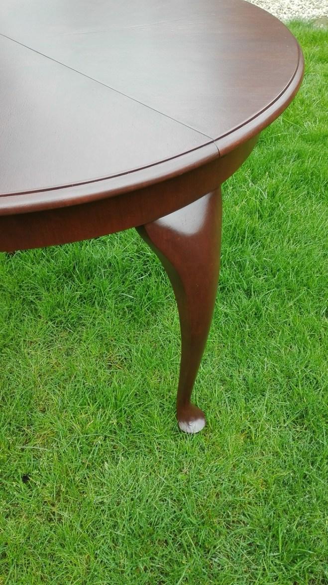 Renowacja blatu stołu