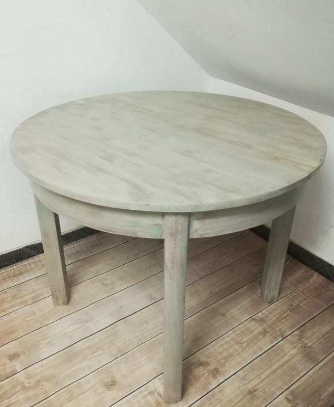 Malowany okrągły stół