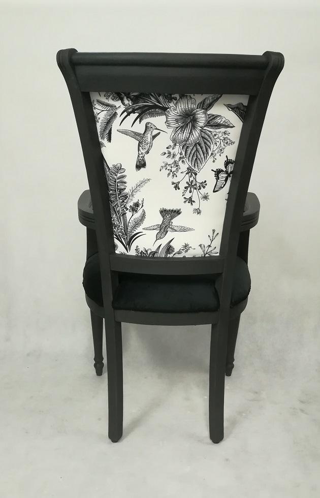 Krzesło malowane na czarno - tron ptaki