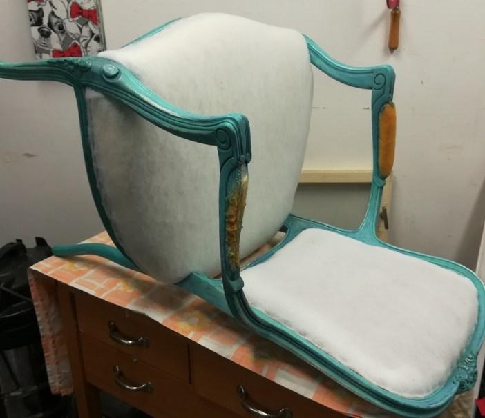 Zmiana tapicerki w krześle