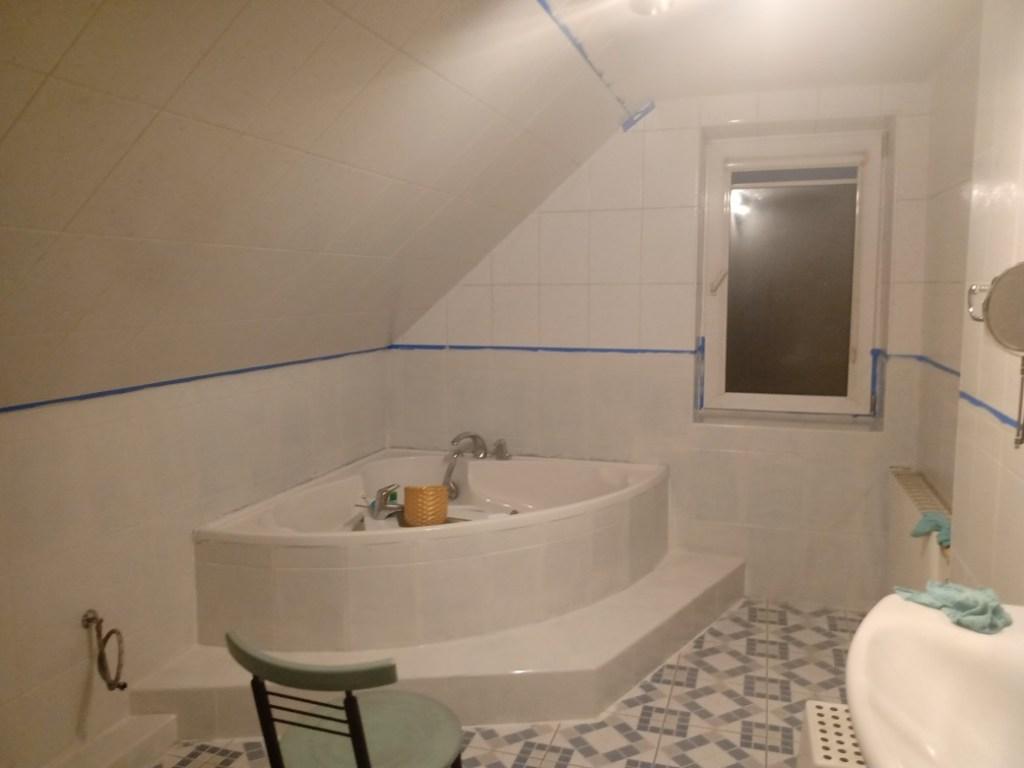 malowanie kafli w łazience