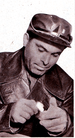 regards-sur-le-monde-du-travail-19361203_durruti-comiendo