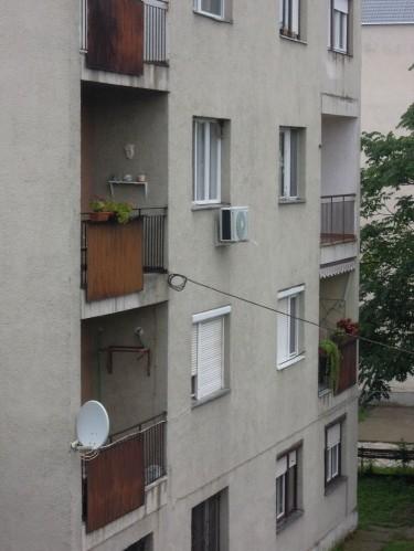 rozsdás erkély eladó lakás