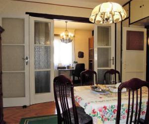 Eladó nappali + 3 hálószobás, hallos lakás- Budapest II. Pasarét