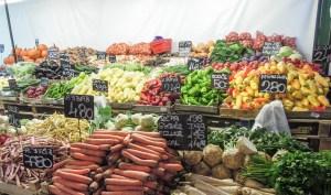 Budapest III Óbuda piac vásárcsarnok Békásmegyer