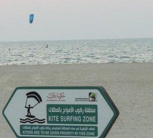 Dubai kite szörf ingyenes strand