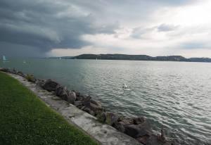 Eladó Balaton vízpartnál lévő lakás üdülő Zamárdi