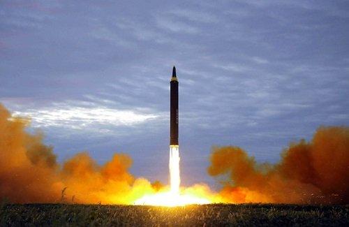 北朝鮮がまた飛しょう体を2発発射!「原爆の日にミサイル」「最近撃ち過ぎ」などネットでは怒りの声が殺到