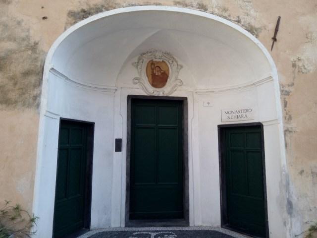 La puerta del Monasterio de Santa Clara