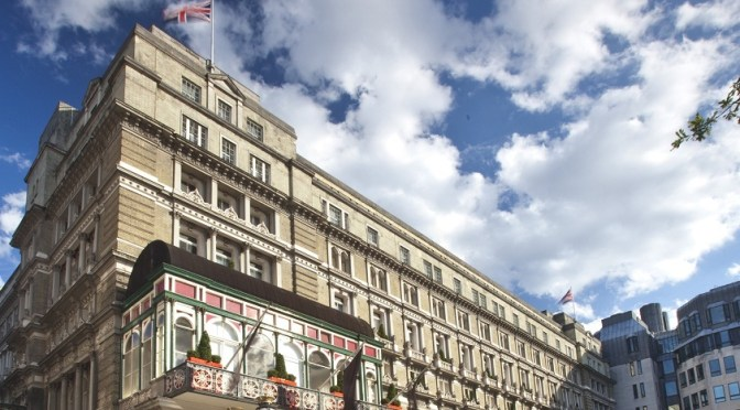 Amba Hotel Charing Cross: calm behind commuter chaos