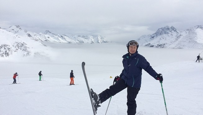 How to go on a ski holiday on your own without feeling alone