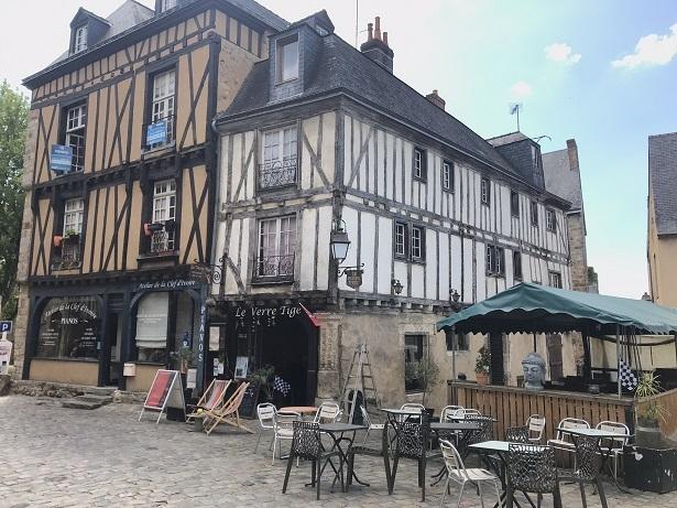Pub in Le Mans old town