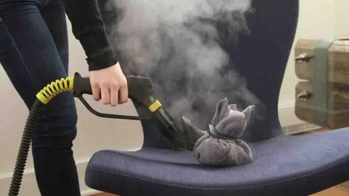 طرق لتنظيف الكنب المخمل والجلد وازالة البقع