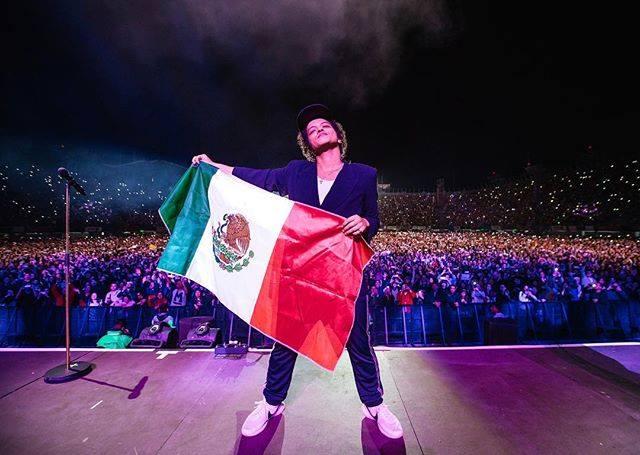 Bruno Mars Aplaudido por 47 mil Asistentes