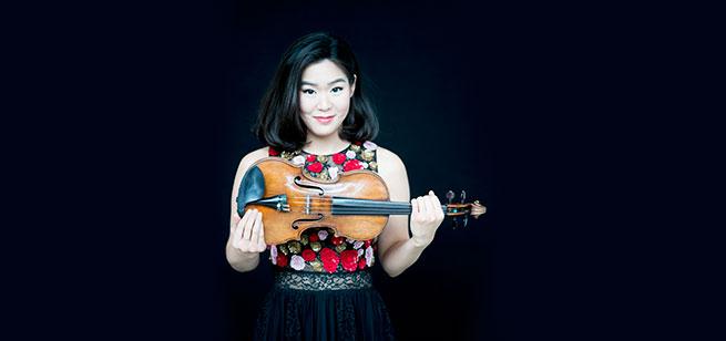Virtuosismo Orquestal • Esther Yoo interpreta Brahms / Conjunto de Artes Escénicas y Teatro Degollado