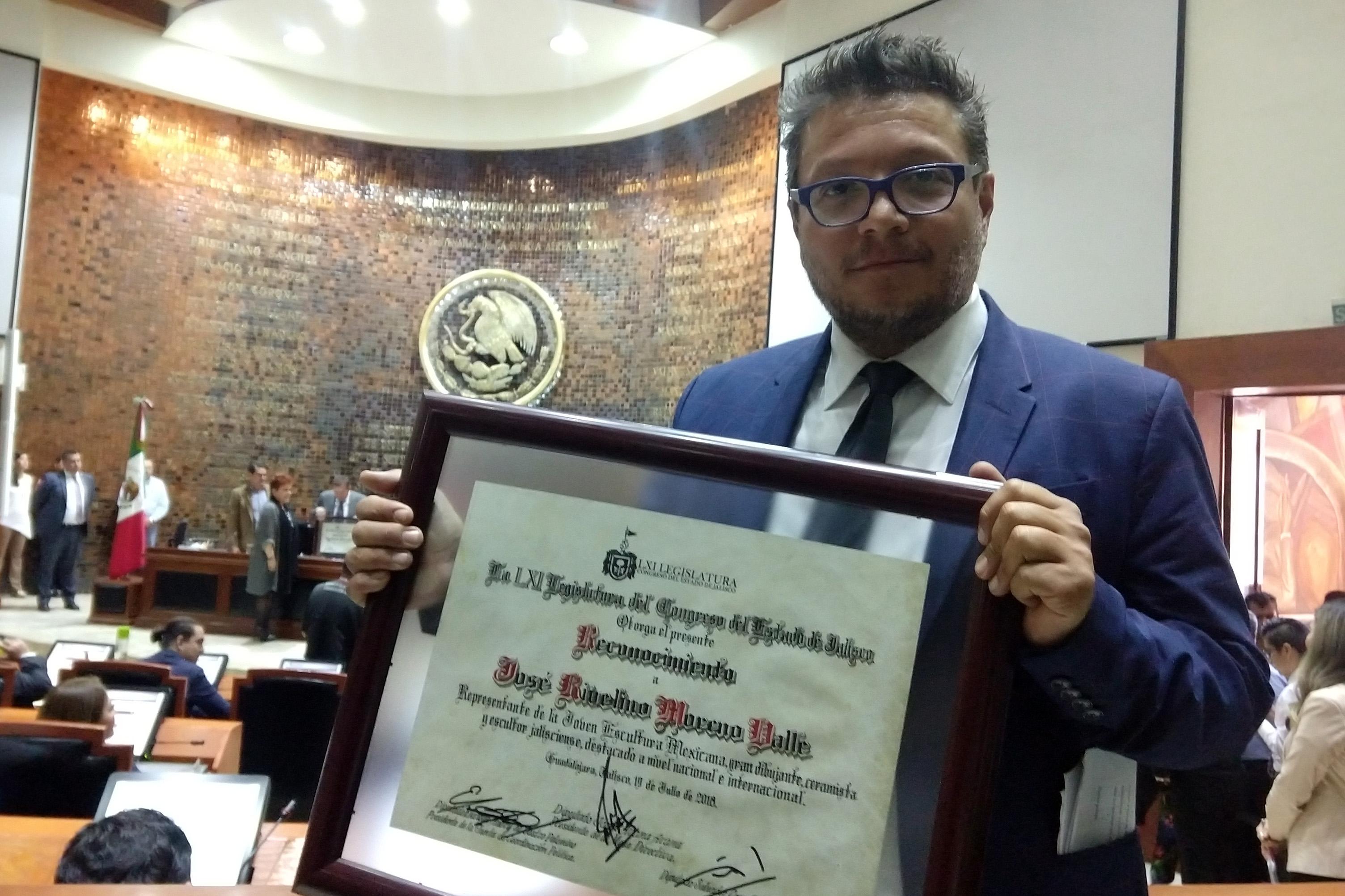 Reconocen a Rivelino Moreno Valle en el Congreso del Estado de Jalisco