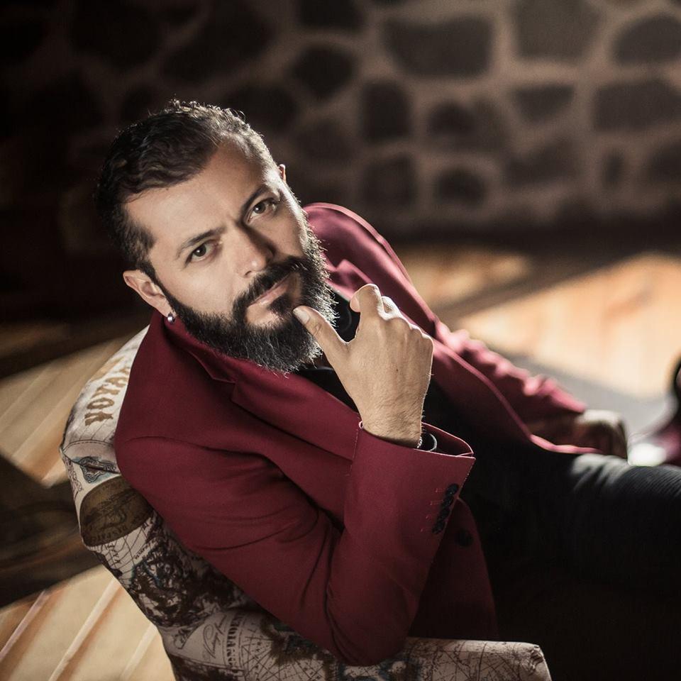 """Edgar Oceransky viene a Guadalajara con """"Escarlata"""""""