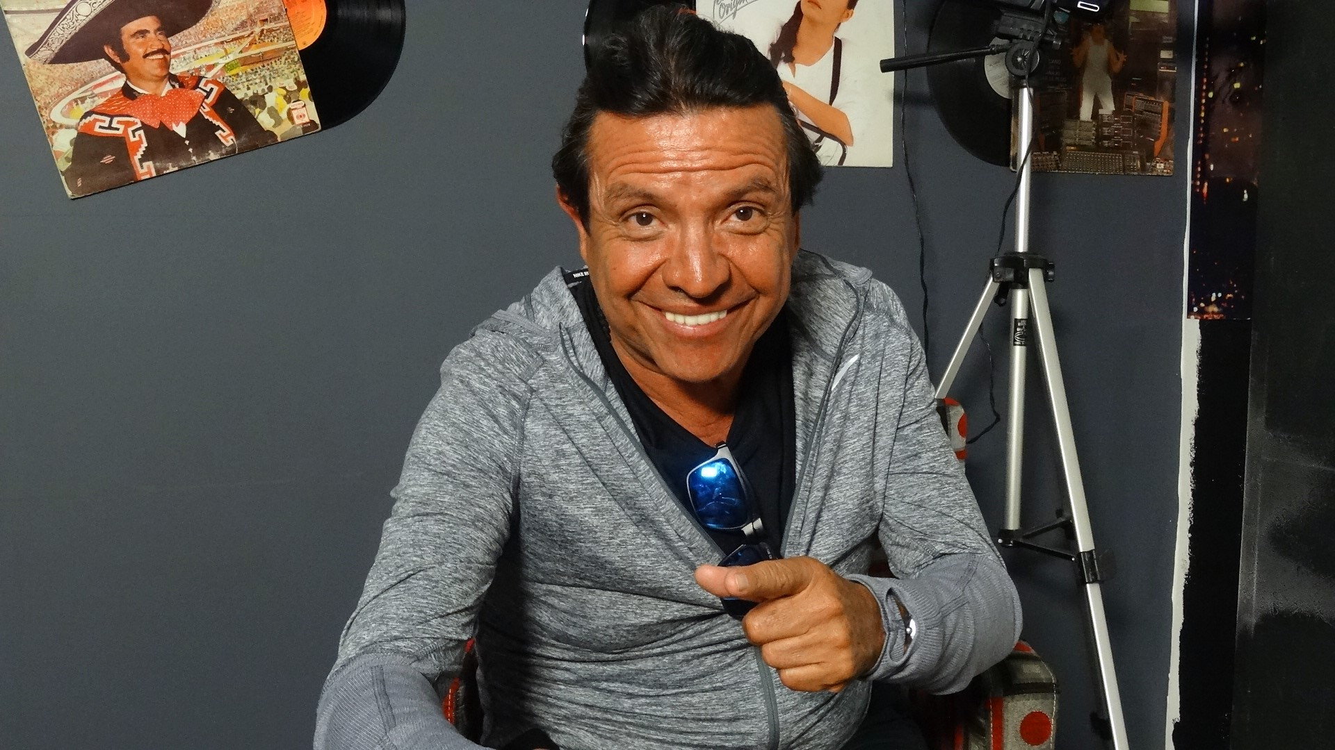 "Victor Padilla ""El Chistero"", comedia a la vieja escuela"