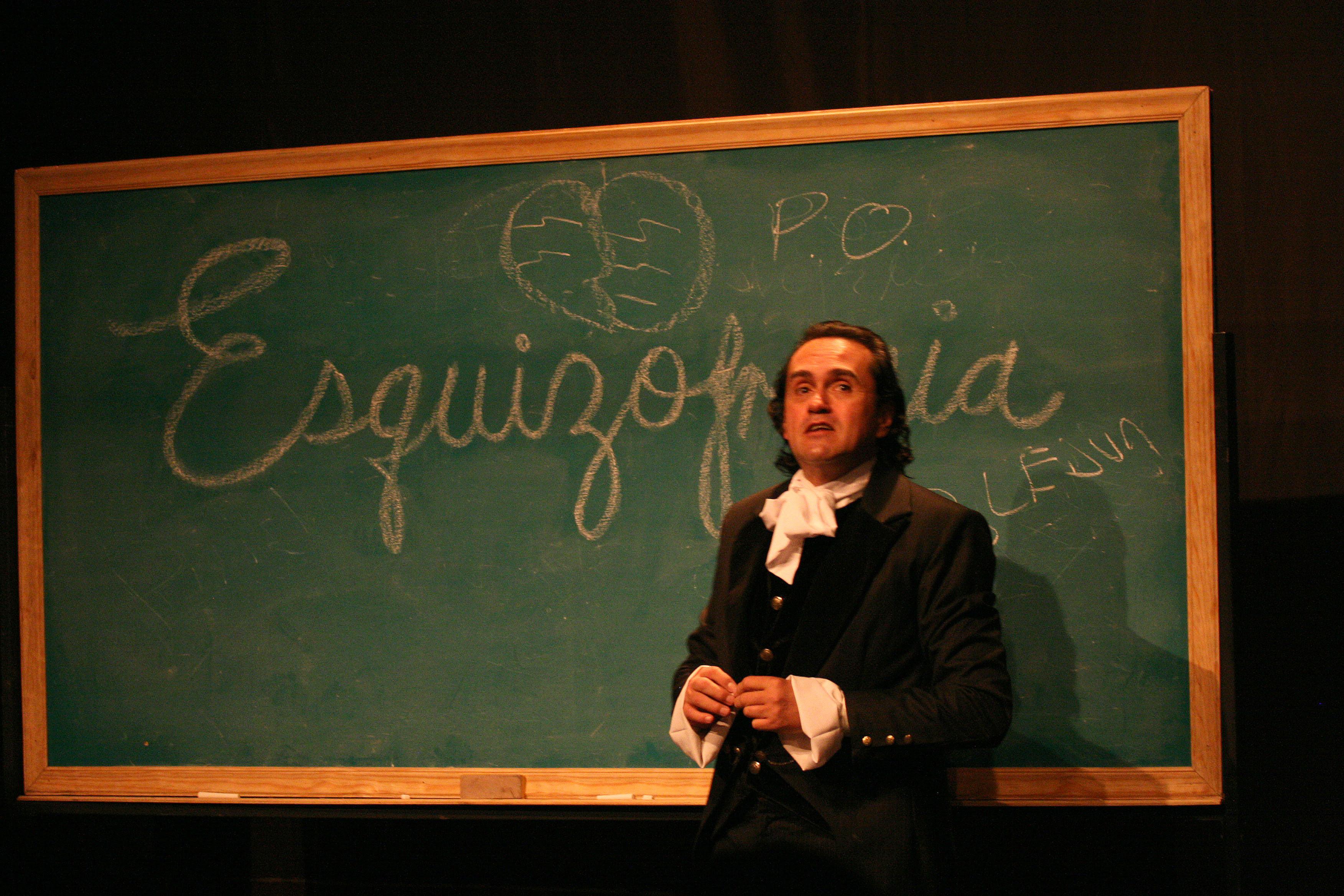 Rafael Perrín regresa al Teatro Galerías con  la obra de teatro Esquizofrenia