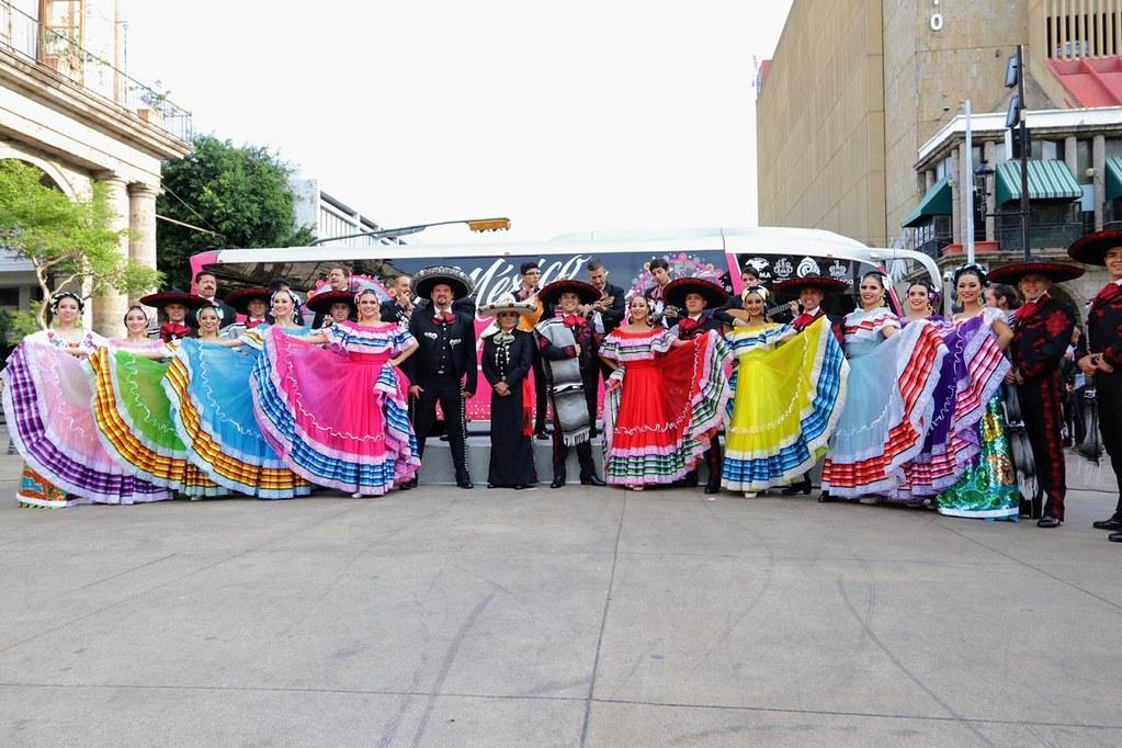 "Abanderan gira ""México en el Corazón"""