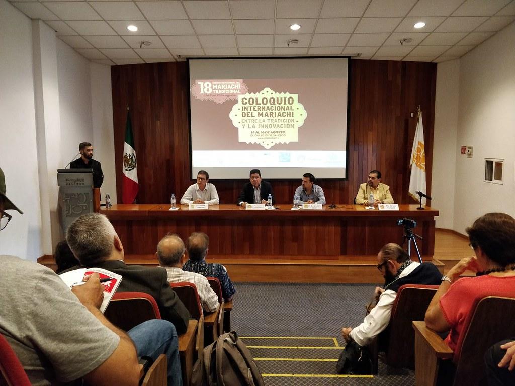 Reflexionan en torno a la tradición e innovación en el mariachi
