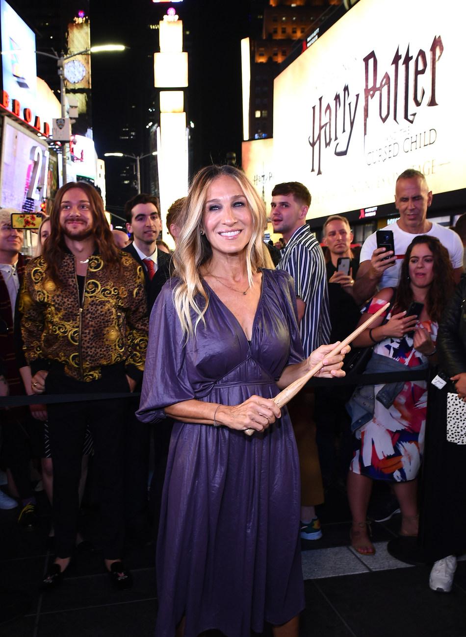 Harry Potter y el legado maldito celebra su expansión mundial con la mayor toma de Times Square jamás vista