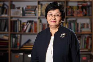 Роза Отунбаева, экс-президент: «Ар бир айылга бала бакча ачуу керек!»