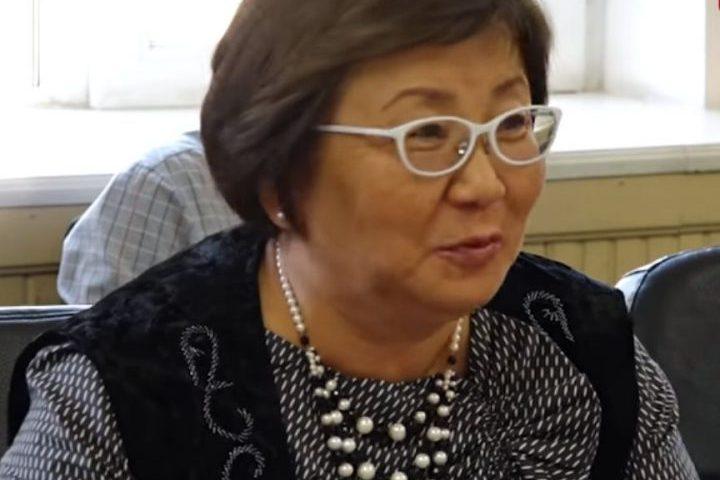 """Роза ОТУНБАЕВА: """"Атамбаев өзү үчүн силерди койгон эмес"""""""
