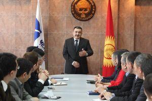 Шаардык депутаттар Албек Ибраимовдун отчетун жактырган жок