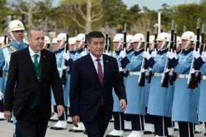 Жээнбеков Эрдогандын чакыруусу менен Анкарага учуп кетти