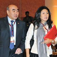 Экс-президенттин кызы Бермет Акаева Бишкекке келип, экинчи жолу элдин оозун ачырды...